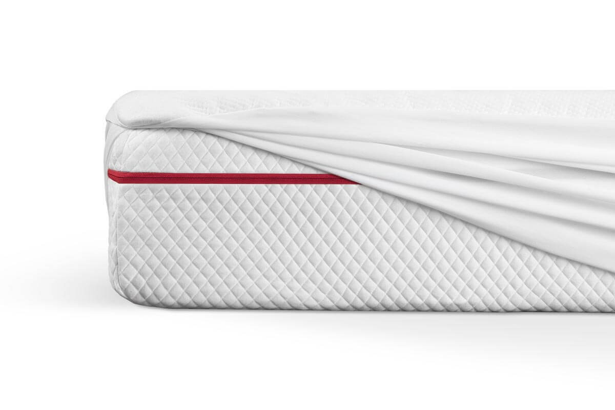 Mattress protector stretching over King size Douglas